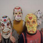 Rentrée aux couleurs du Mexique pour les 5èmes (masques réalisés en Arts P)